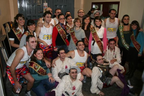pelendengues-con-las-ninfas-del-carnaval-cadiz