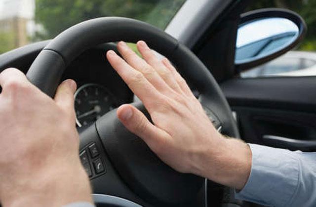 pitar desde el coche