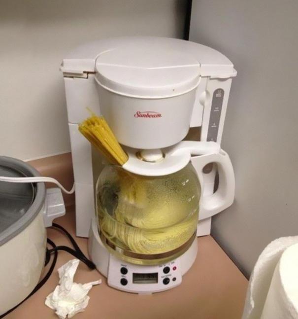 tirar de imaginación cafetera para cocer pasta