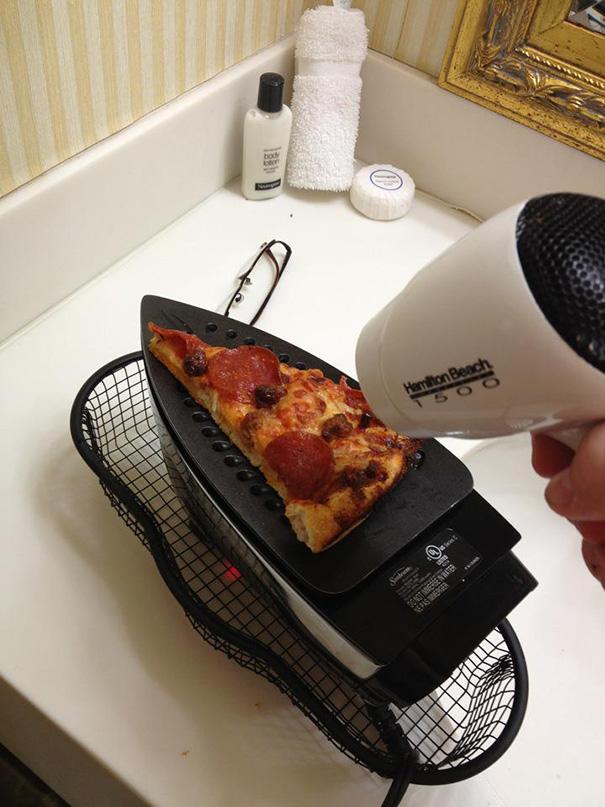 tirar de imaginación utilizando planta para calentar pizza