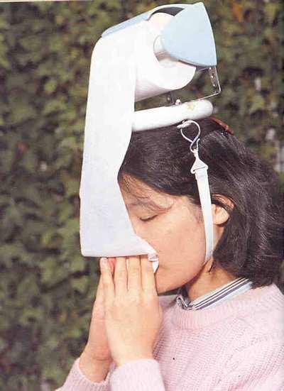 inventos japoneses - sombrero papel higiénico